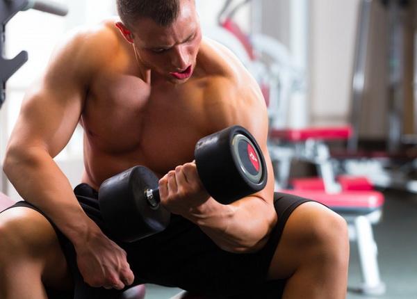 болят мышцы после первых тренировок