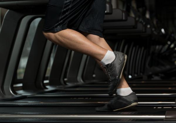 жиросжигающая тренировка для мужчин в тренажерном зале