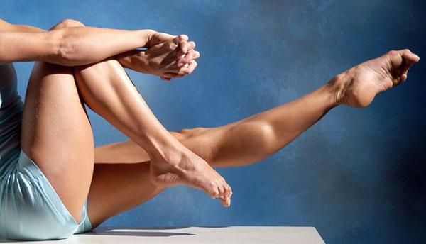 убрать жир над коленями