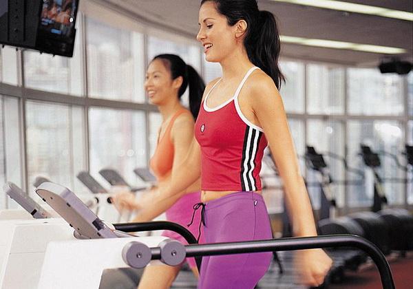 Жиросжигающая тренировка для девушек в зале и дома