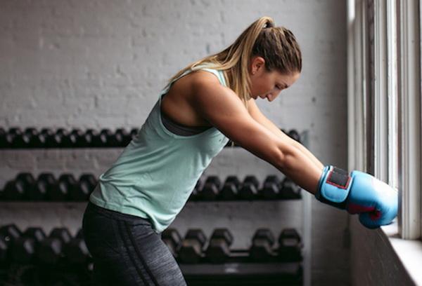 болят мышцы рук после тренировки что делать
