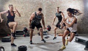 Миниатюра к статье Как организовать эффективную круговую тренировку дома?