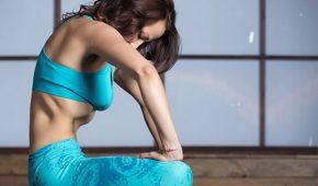 Миниатюра к статье Упражнение Вакуум— как правильно делать для живота?