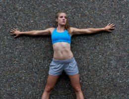тренировка у стены для укрепления мышц рук