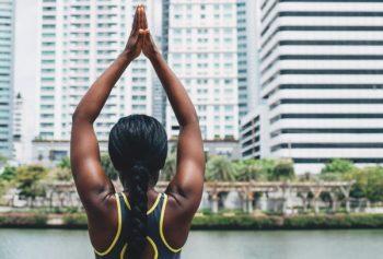 упражнения для правильной осанки у взрослых